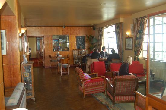 The Aviator Hotel: Bar area