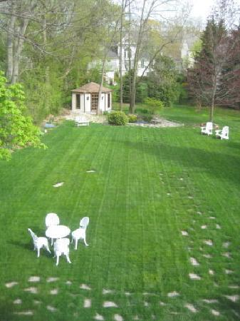 Duncan-Quinn House: View of Backyard