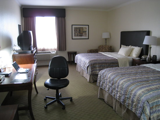 BEST WESTERN PLUS Downtown Inn & Suites: Zimmer