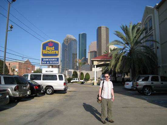 BEST WESTERN PLUS Downtown Inn & Suites: Vor dem Haupteingang