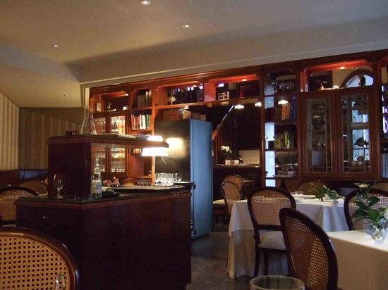 Cafe de Paris : Inside - it's very posh