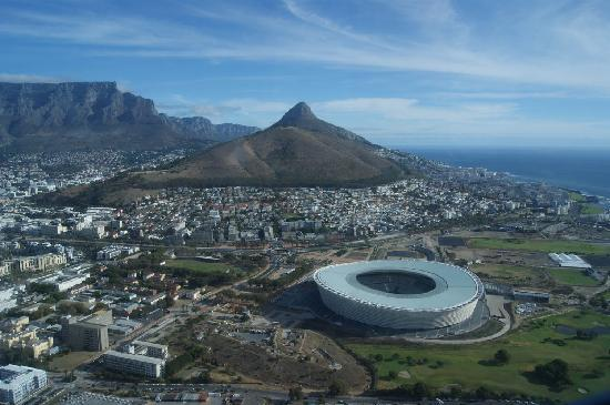 Cape Town, Sudáfrica: Soccer stadium view from the heli