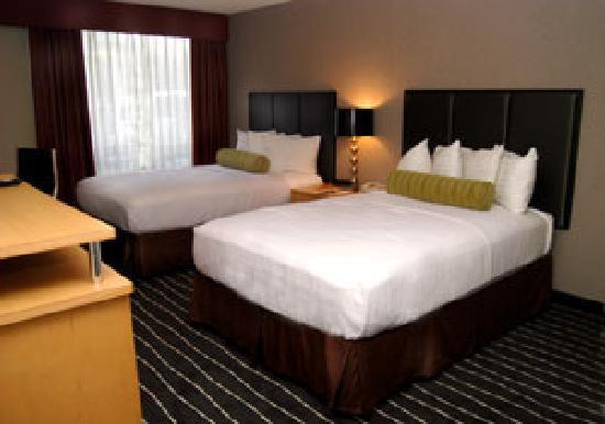 Holiday Inn Portland South: My guest room.