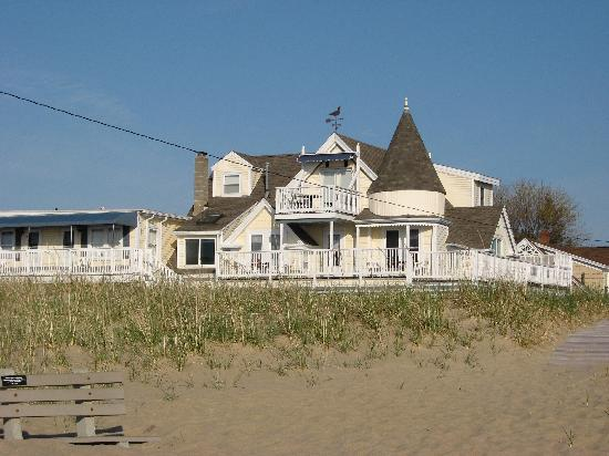 Ocean Park, ME: Billowhouse from the Beach