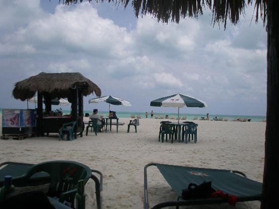 Isla Pasion: Beach and beach bar