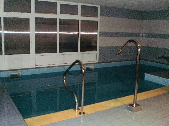 Apartamentos Rurales Antilles Playa & Spa: Piscina climatizada con chorros de agua
