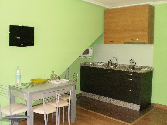 Apartamentos Rurales Antilles Playa & Spa: Salón-Cocina