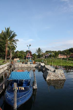Horas Family Home : Horas as seen from Lake Toba