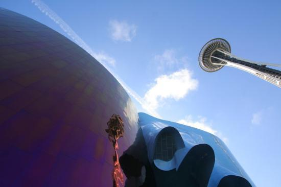 Seattle Center : Seattle - Experience Music Project and Science Fiction Museum and Hall of Fame (EMP|SFM).