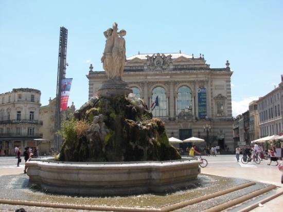Montpellier, France: La place de la Comédie