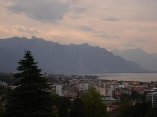 Nestle Headquarters (Palais Nestle) : ligth and never ending views, focused on french side of the lake and down vevey + tour-de-peilz