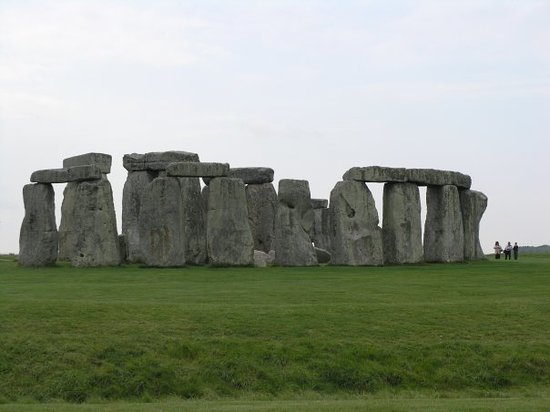 Stonehenge Guided Tours: Stonehenge from the north side :-)