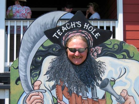 Teach's Hole Blackbeard Exhibit : Teach's Hole - Pirate Memorabilia and Museum