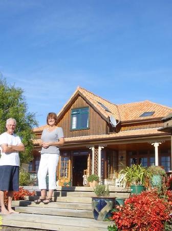 Sandstone House: John & Jenny