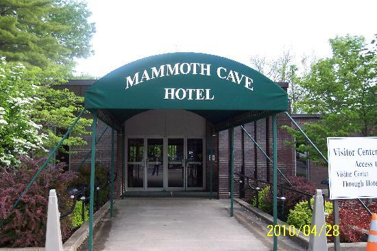 Mammoth Cave Hotel: Hotel main entrance