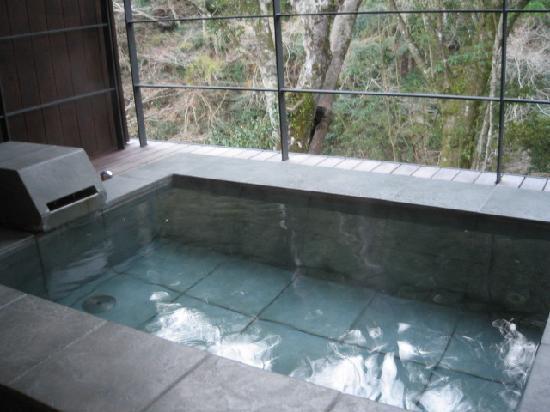 Arcana Izu: 部屋付きのお風呂から観る伊豆の自然