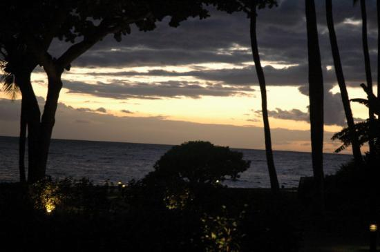 Wailea, HI: Maui sunset from our condo.