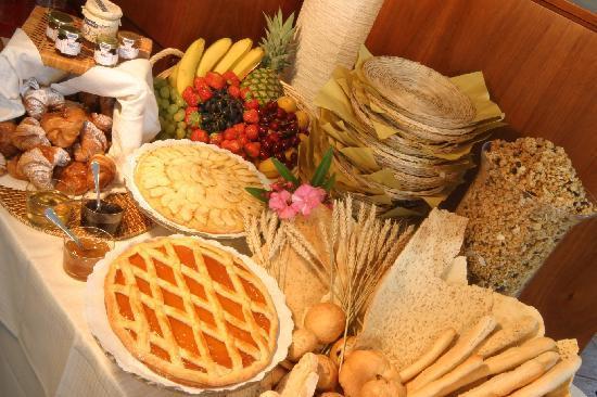 Datini Hotel : Buffet Breakfast