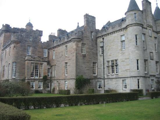Cosses Country House: Glenap Castle for afternoon tea