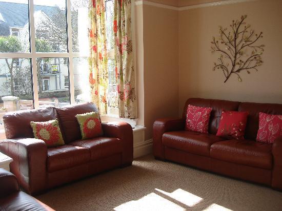 Chynoweth Lodge: Guest Lounge