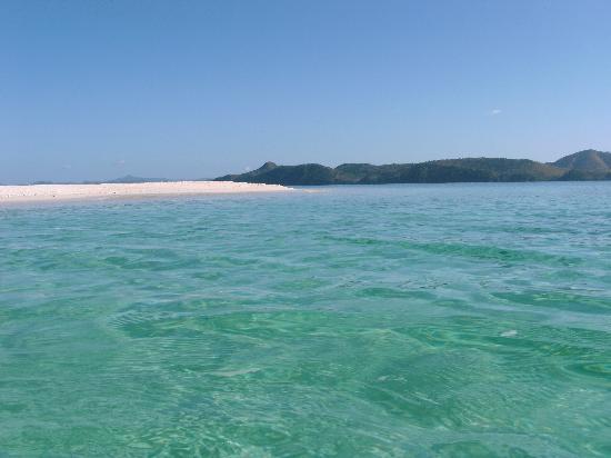 Club Paradise Palawan: ホテルの前のビーチ6