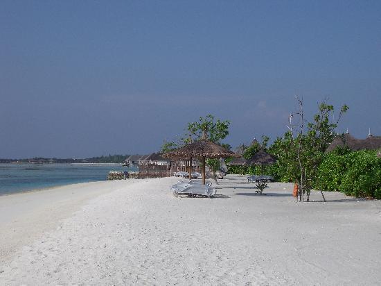 Four Seasons Resort Maldives at Kuda Huraa: The Beach at Kuda Huraa maldives.