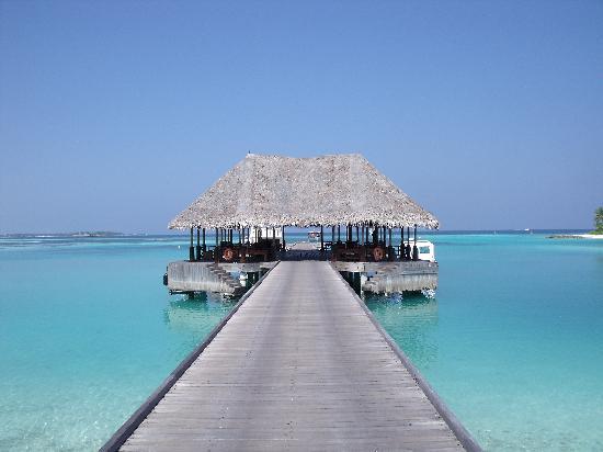 Four Seasons Resort Maldives at Kuda Huraa: The arrival bay.