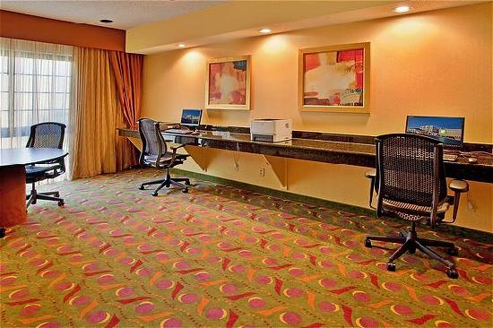 Holiday Inn Hotel & Suites Springfield - I-44: Holiday Inn Hotel and Suites Business Center