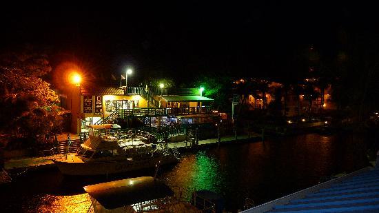 Key West Inn - Key Largo: view bar with music at night