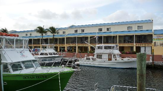 Key West Inn Hotel Suites In Key Largo