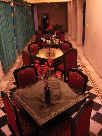 Shree Jagdish Mahal Heritage Hotel (Nagarseti Ri Haveli): The restaurant