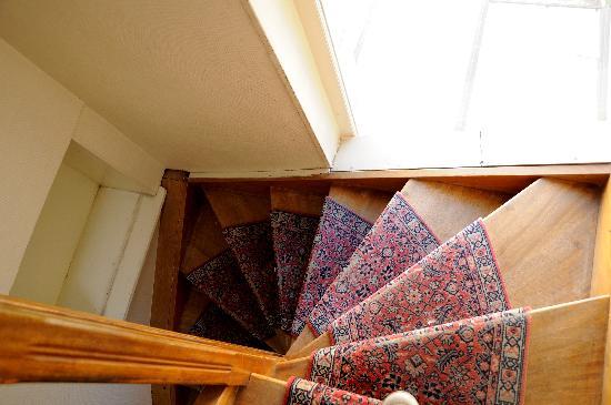 Hotel Republique Dijon : the staircase