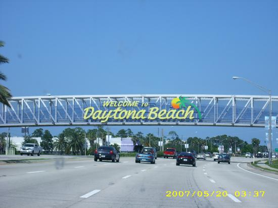 Daytona Beach Hotels  Check In