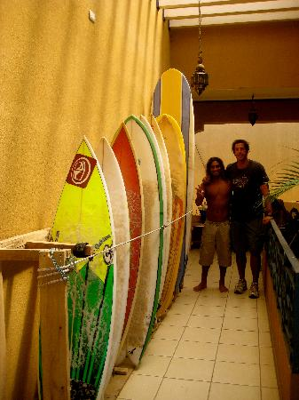 Bahia Paraiso Hostel: our surf instructor...