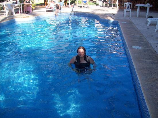 Margaritas Hotel & Tennis Club: De la alberca del hotel