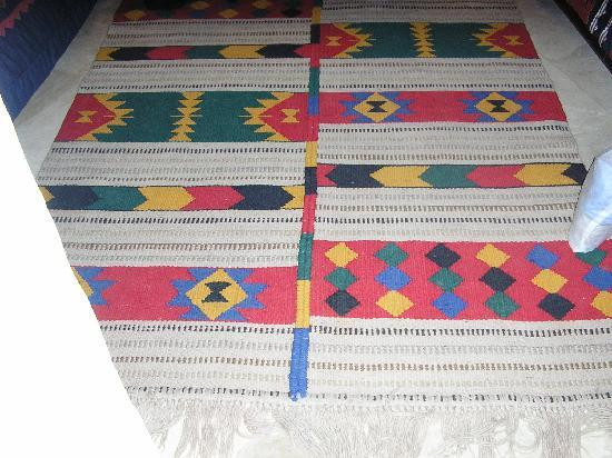Taybet Zaman Hotel and Resort : rugs in my room
