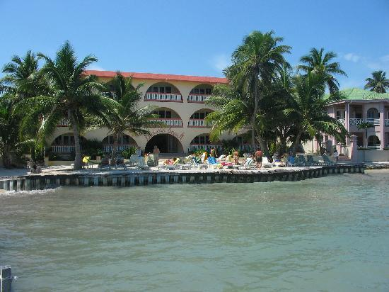 Banana Beach Resort: banana beach view from our boat