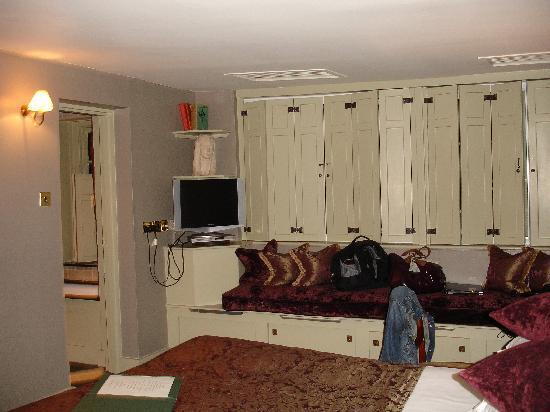 Hazlitt's: Major Roberts Room
