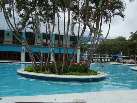 Grand Paradise Playa Dorada: poolside