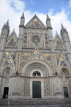 B&B Sant'Angelo 42: ドーモはオルビエートのシンボル