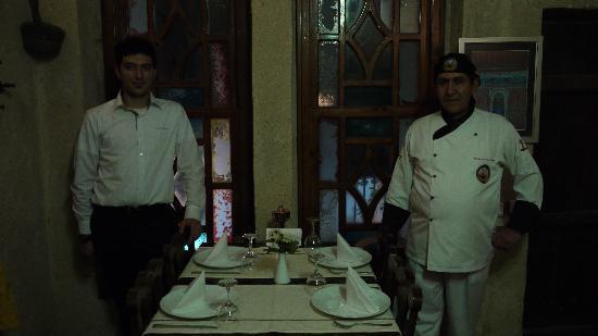 Barfiks Restaurant & Bar: yilmaz and server..