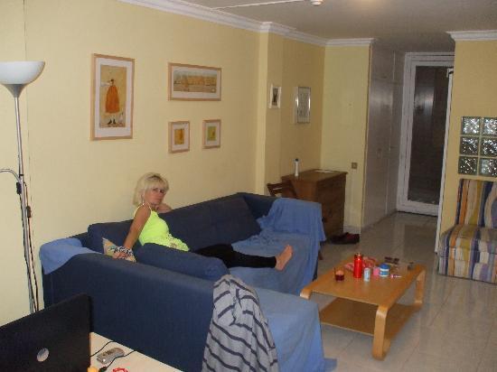 Apartamentos El Cisne : livingroom