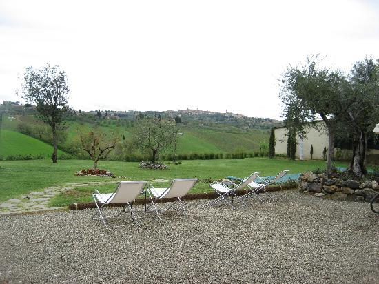 Aia Mattonata Relais: outdoor with Siena in background