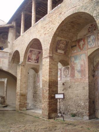 Сан-Джиминьяно, Италия: San Gimignano