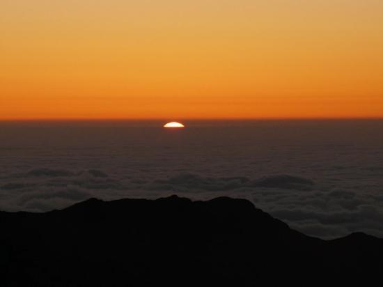 Haleakala Crater: Peaking through!