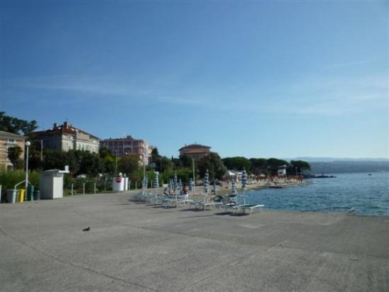 Опатия, Хорватия: Opatija beach