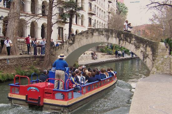 San Antonio, TX: the Riverwalk