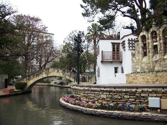 San Antonio, TX: the Arneson River Theatre