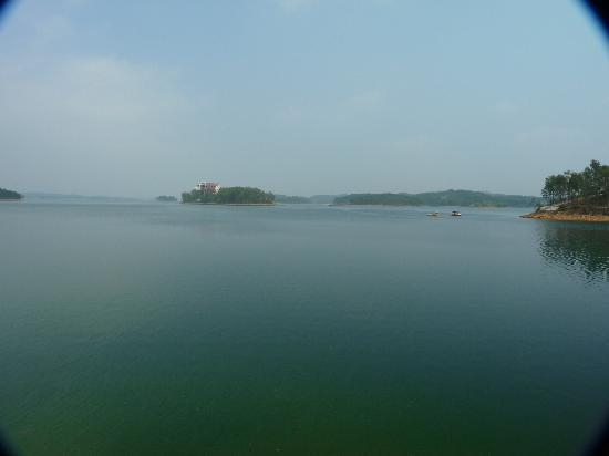 Star Island Lake (Xing Dao Hu): Lakeview