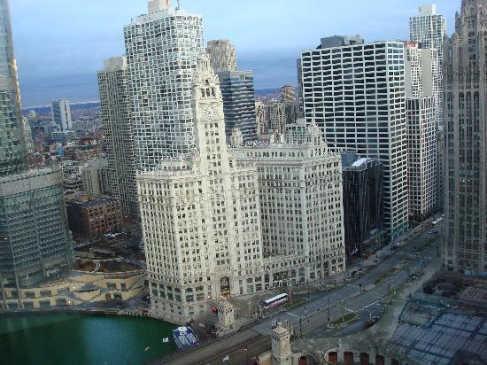 Hyatt Regency Chicago: View from my room in the Hyatt-river seen on left